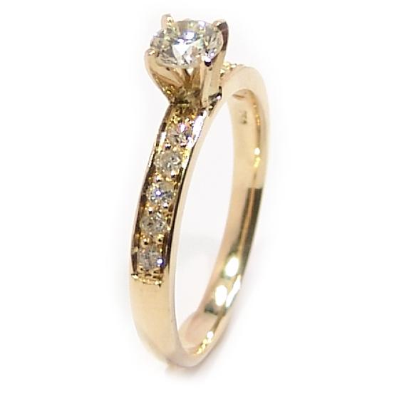 ba6fb88ea Anel em ouro amarelo 18k com diamantes - 2ANB0375 Diamante na Monte ...