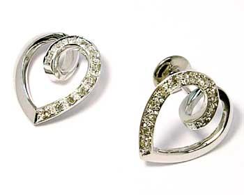 d4245bbbad84c Brinco em ouro branco 18k feminino com brilhante - Coração Diamante ...