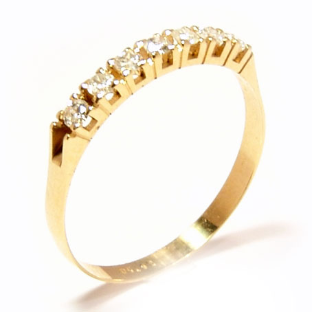Meia aliança de brilhantes em ouro amarelo 18k Diamante na Monte Blanco a9969201f7